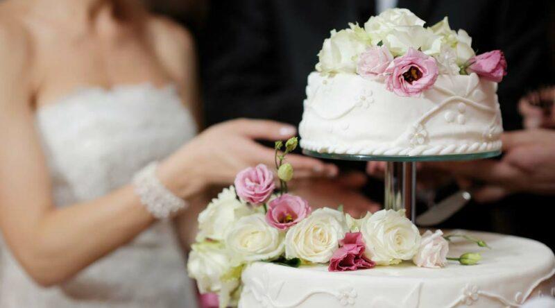 Bolo de casamento simples: dicas para fazer o seu e 60 ideias criativas