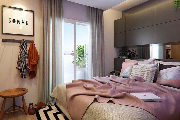 Casas planejadas: armário sobre a cama