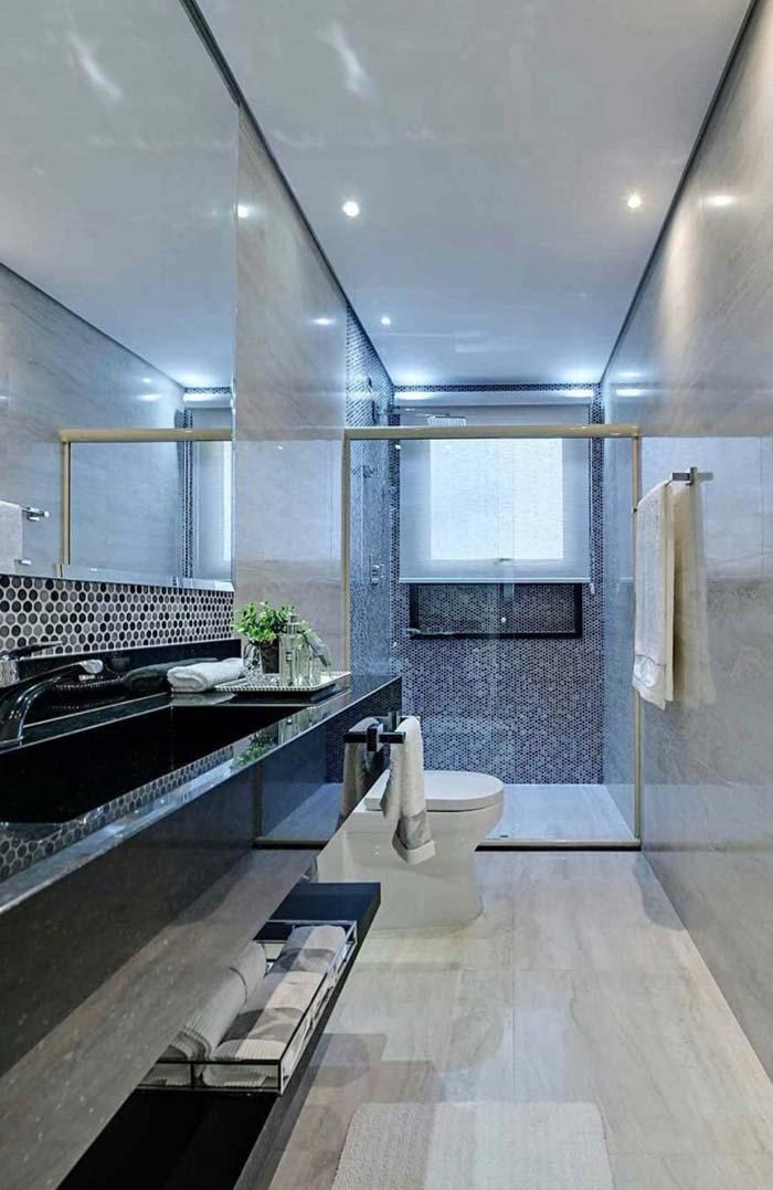 Banheiro com revestimento em granito Verde Ubatuba