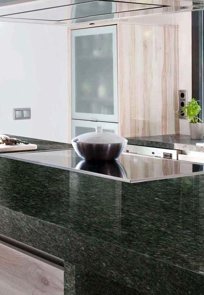 Balcão de cozinha com granito Verde Ubatuba