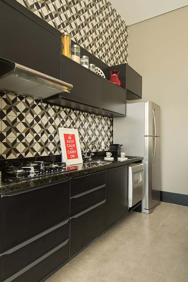 Cozinha: o granito Verde Ubatuba é a cor que mais se aproxima do preto