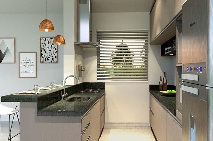 Cozinha pequena com bancada Verde Ubatuba