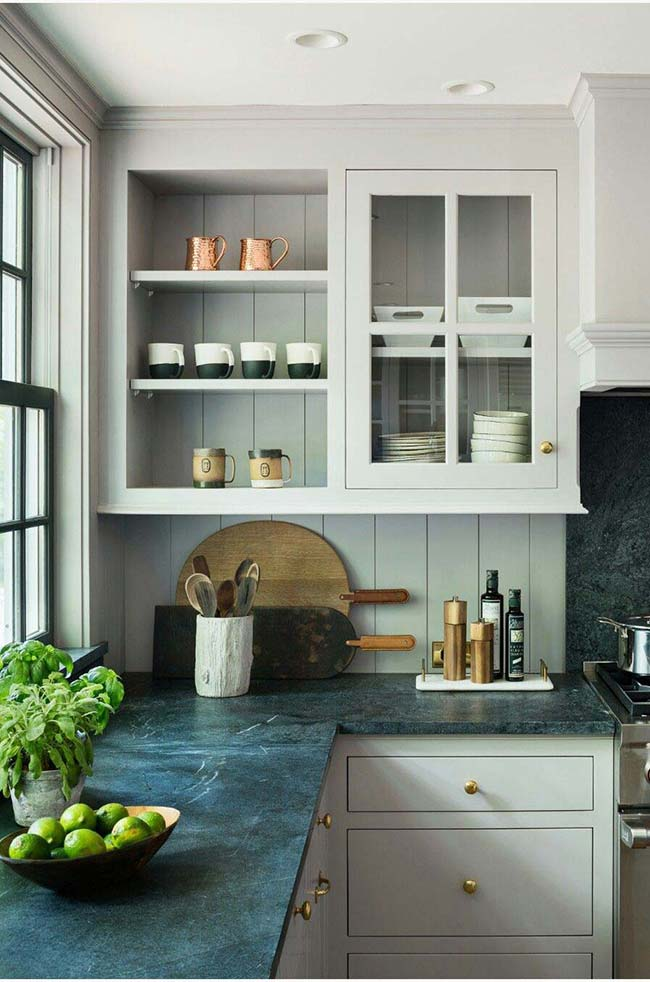 Granito Verde Ubatuba semelhante a uma ardósia na decoração da cozinha