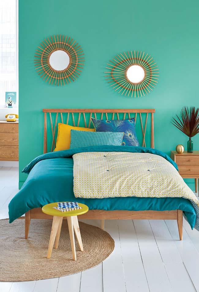 Decoração de quartos com cores vibrantes