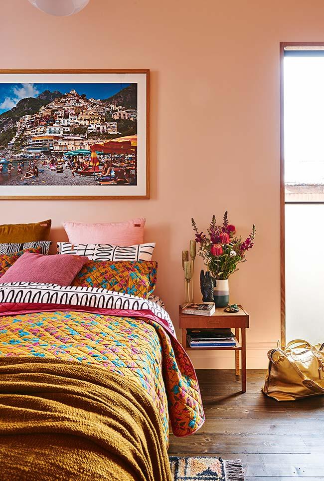 Decoração de quartos completa com cores quentes