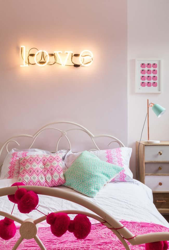 Rosa e azul na decoração de quartos
