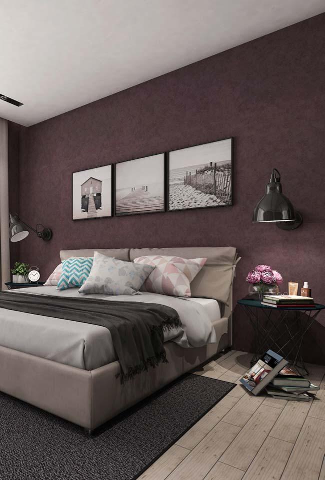 Roxo mais próximo do vermelho na decoração do quarto