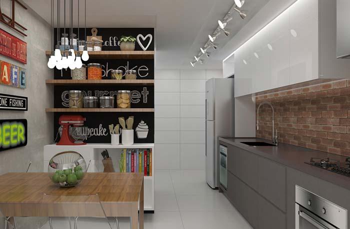 Marrom absoluto na cozinha de estilo rústico moderno