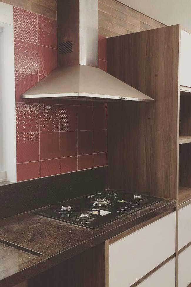 Mix de cores e texturas nessa cozinha