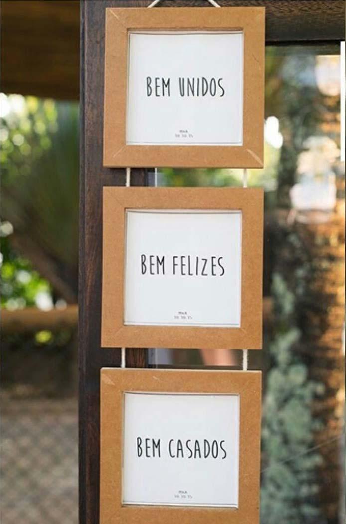 Plaquinhas charmosas recepcionam os convidados.