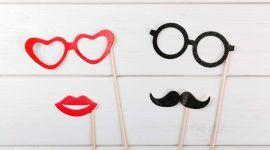 Plaquinhas para festa: saiba como fazer, veja frases e ideias