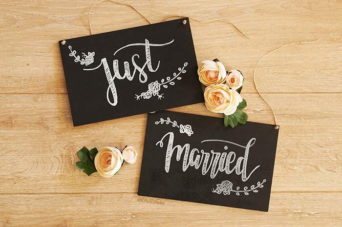 Uma plaquinha para festa especial para os noivos