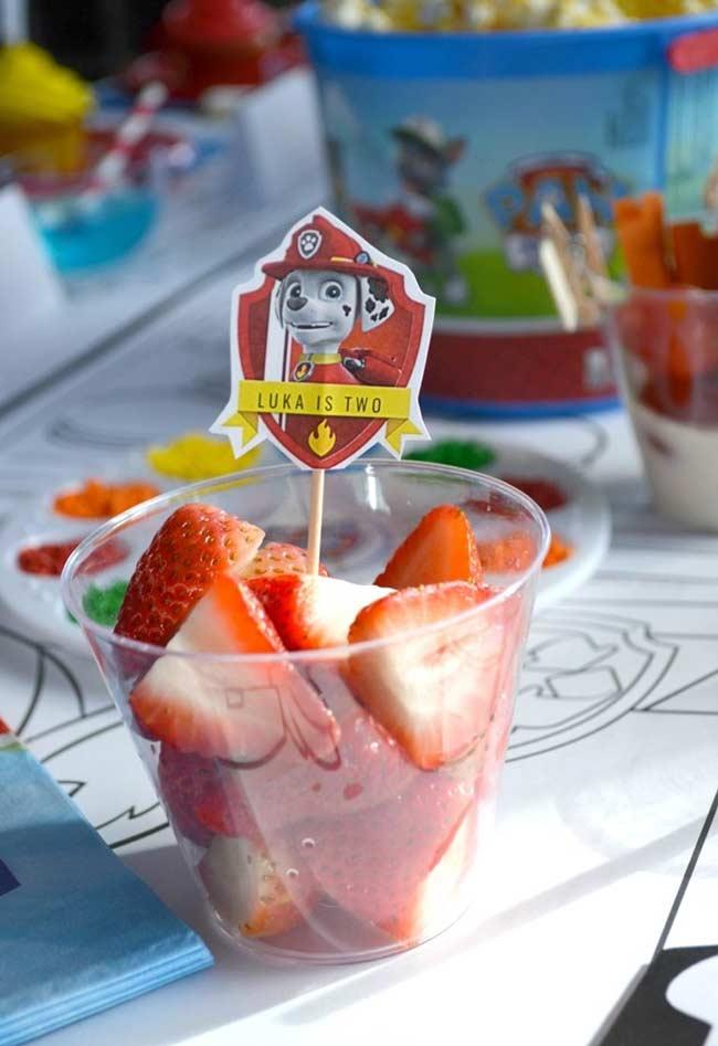 Salada de frutas no copinho