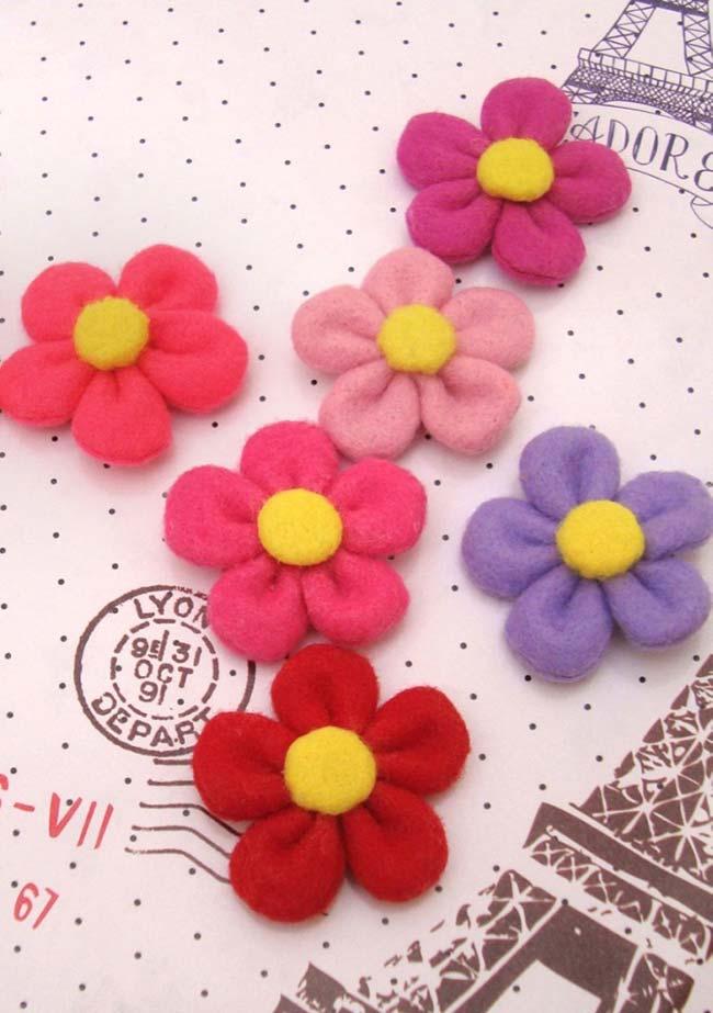 Flores de fuxico com 3 formatos