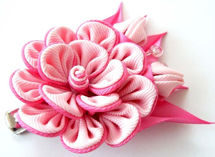 Flor de tecido mais elaborada
