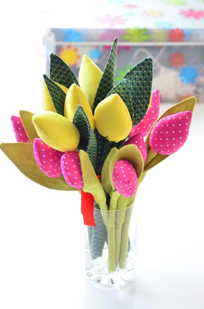 Flores de tulipa de tecido