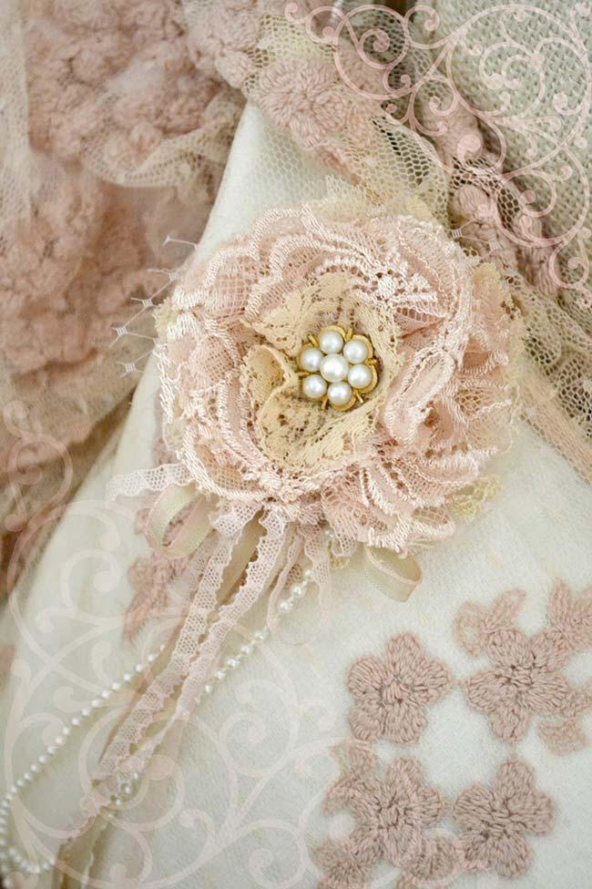 Flores de tecido de renda
