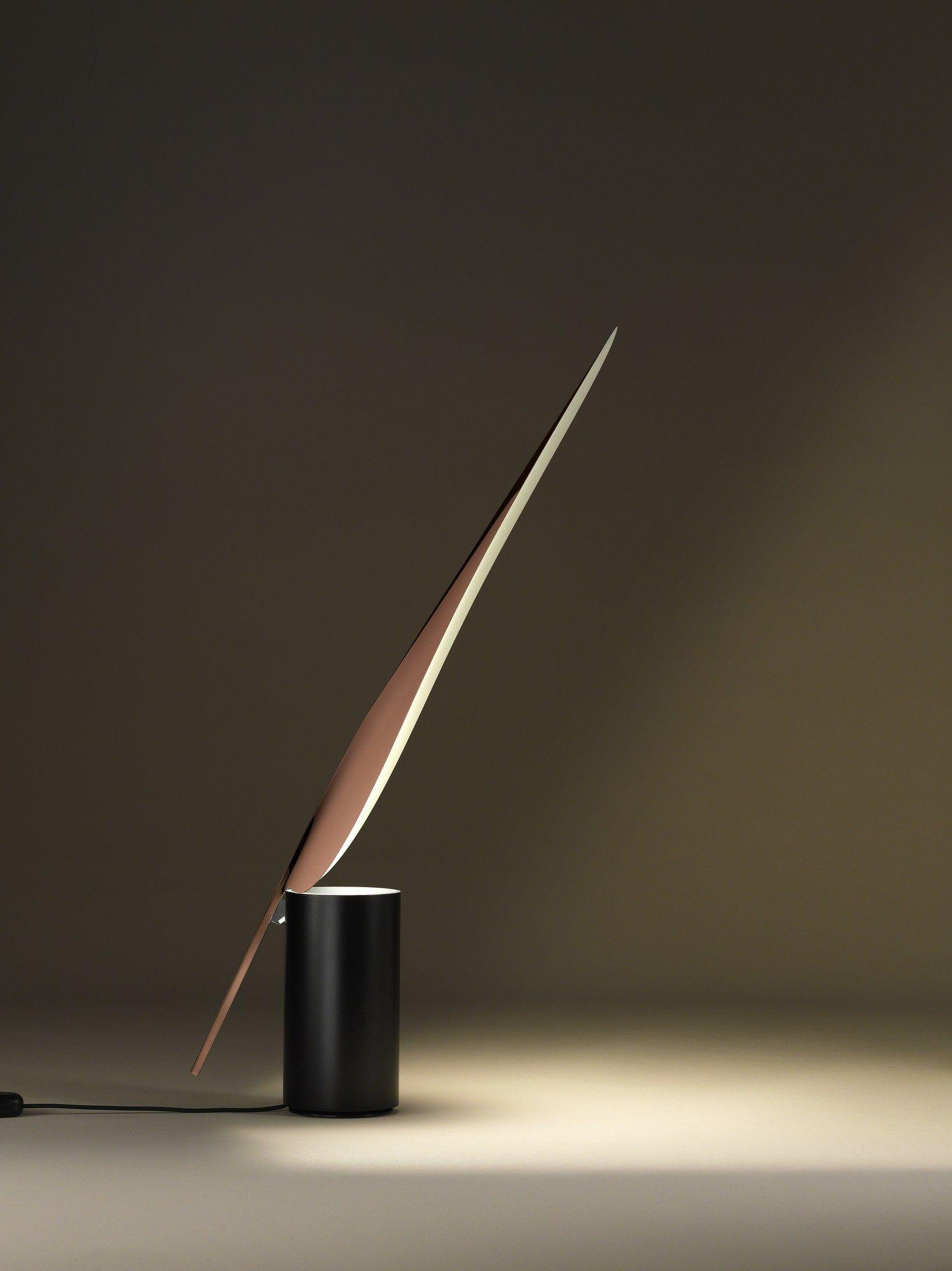 Luminária única e original de PVC