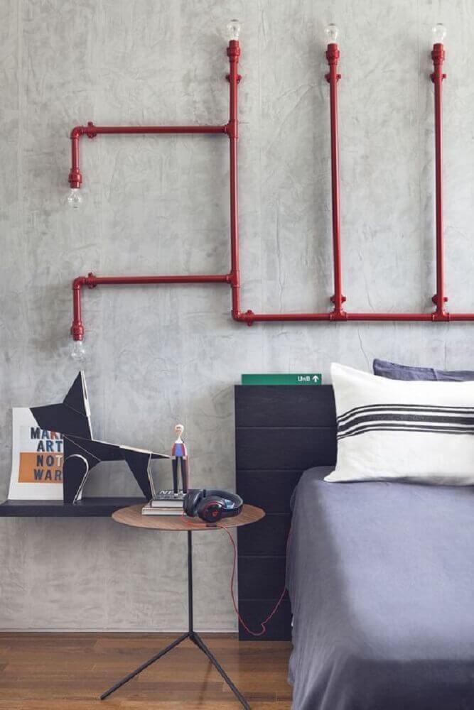 Aposte no estilo industrial com luminárias de PVC