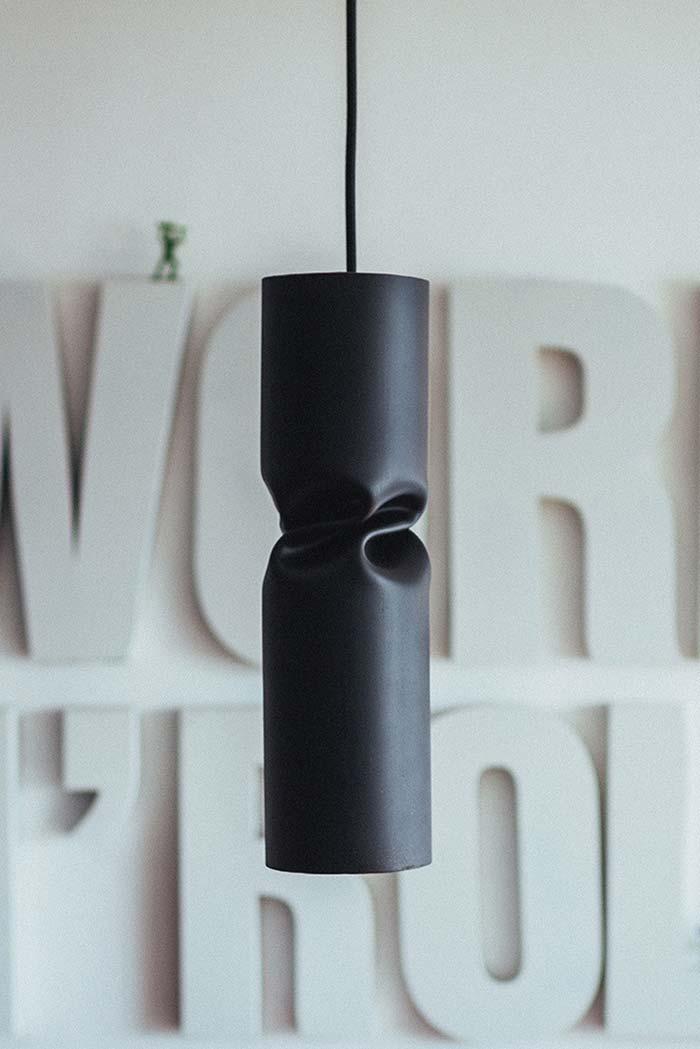 Luminária de PVC de teto com cano retorcido