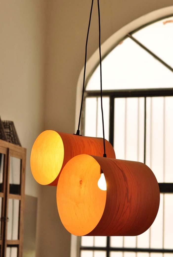 Abertura lateral de iluminação na luminária de PVC