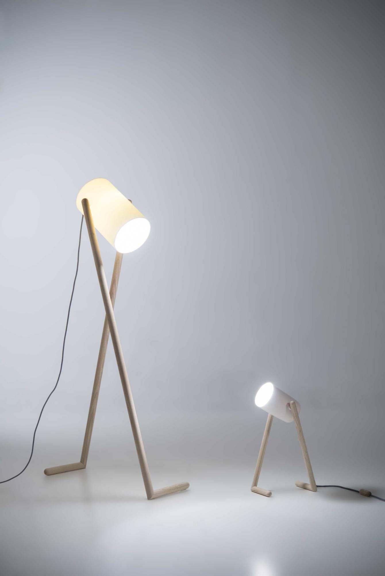 Luminária de PVC com foco de luz direcionado