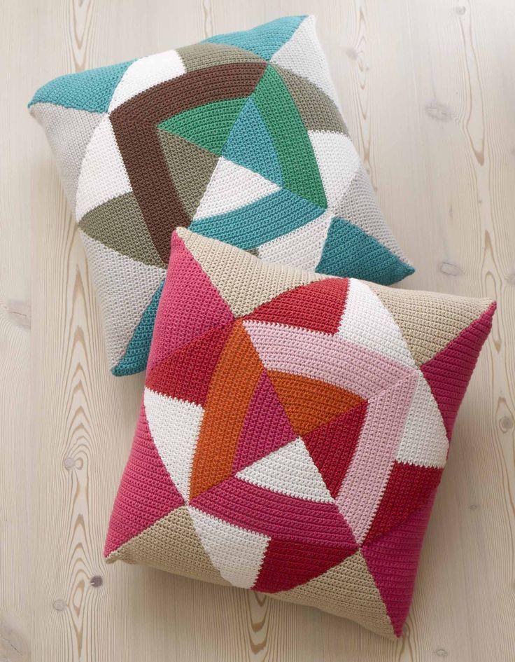 Capa em patchwork de crochê em formas geométricas