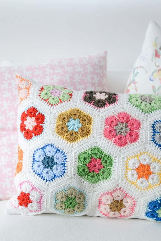 Capa de almofada com flores coloridas