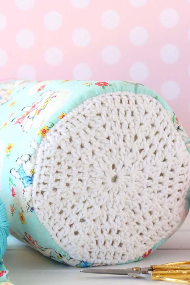 Assento do pufe feito em crochê