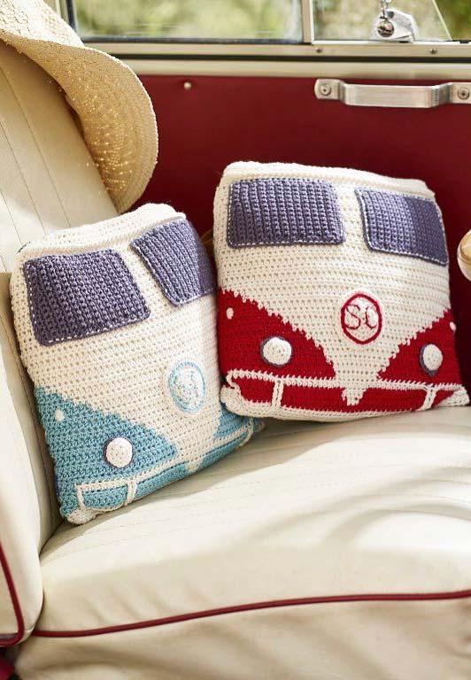 Capa de almofada de crochê com estampa da Kombi