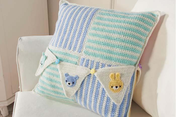 capa de almofada de crochê para quarto de bebê
