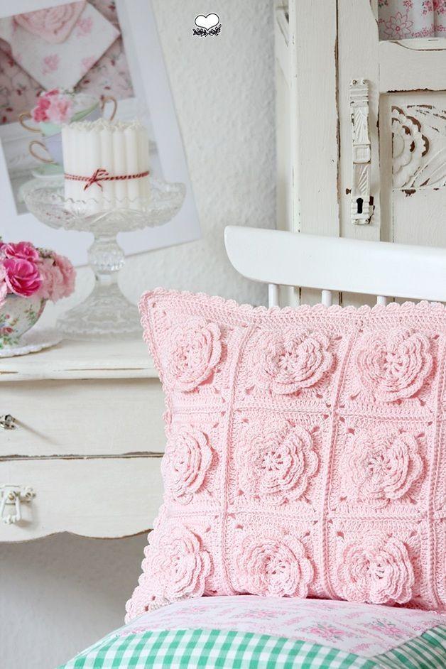 Capa de almofada de crochê romântica