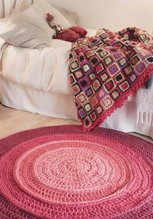Tapete de crochê redondo cor de rosa