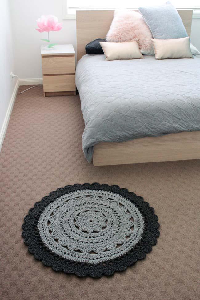 tapete de crochê redondo com relevo