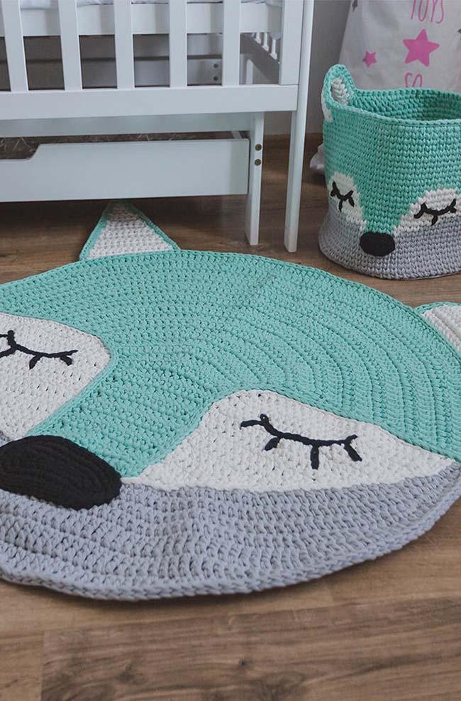 Conjunto de cestinho e tapete de crochê redondo
