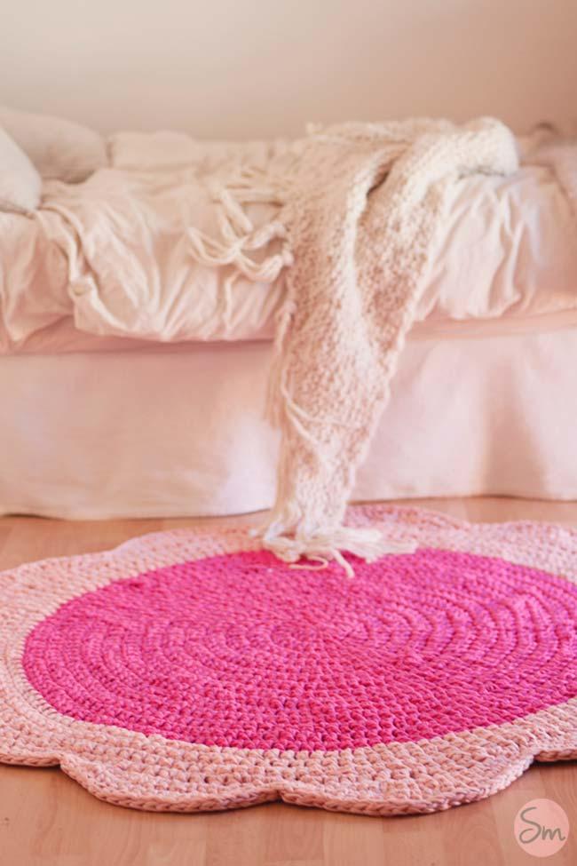 Tapete de crochê redondo com formato de flor