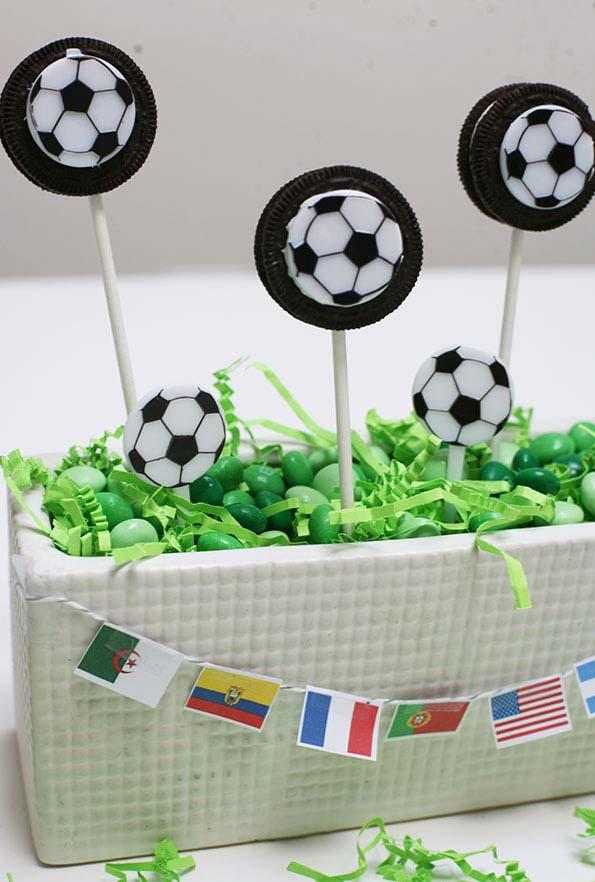 Decoração de bolas para festa Copa do Mundo