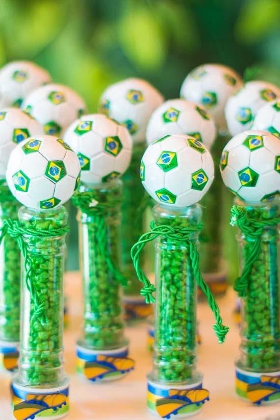 lembrancinha de aniversário para Copa do Mundo