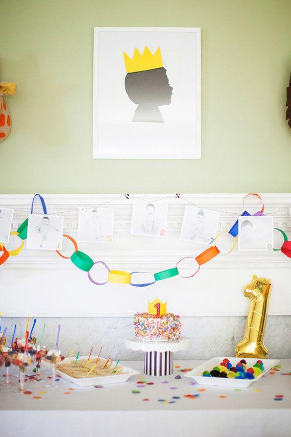 Varal de fotos na festa infantil simples