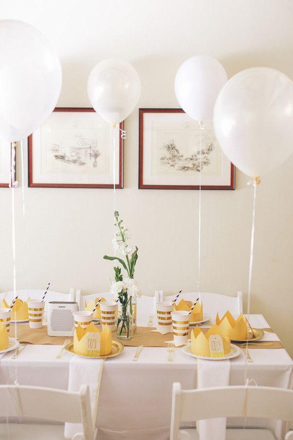 Festa infantil simples na sala de casa