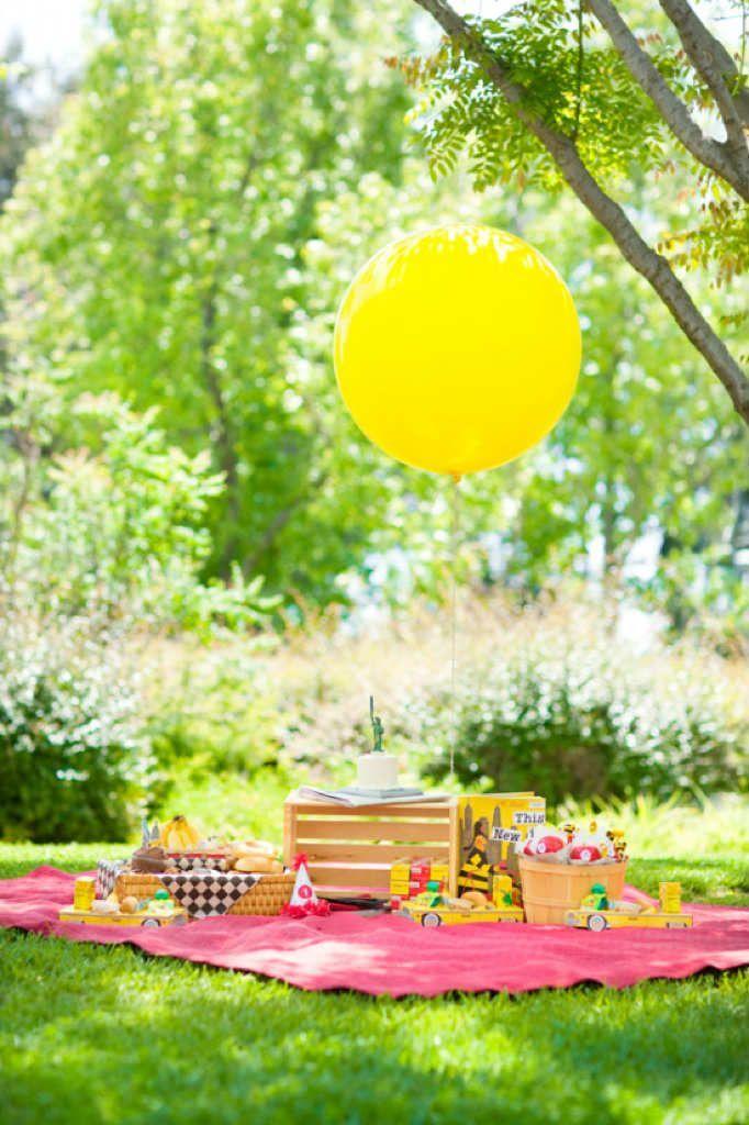 Festa infantil simples ao estilo piquenique