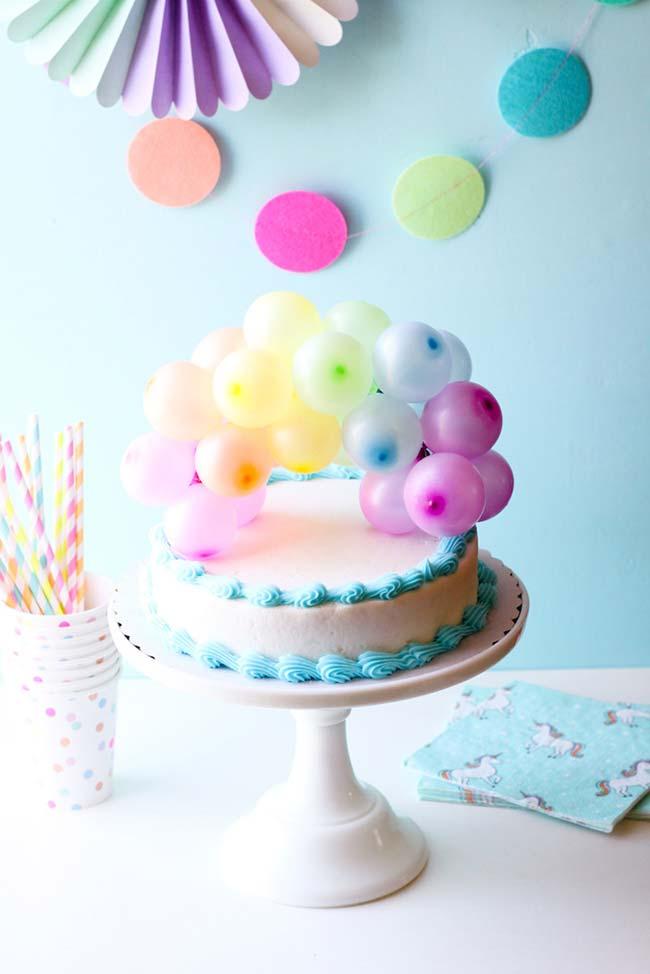 Festa simples infantil com mini balões