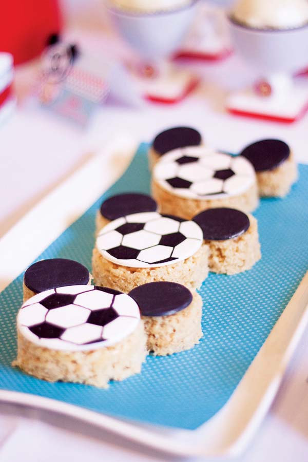 Festa simples com tema futebol