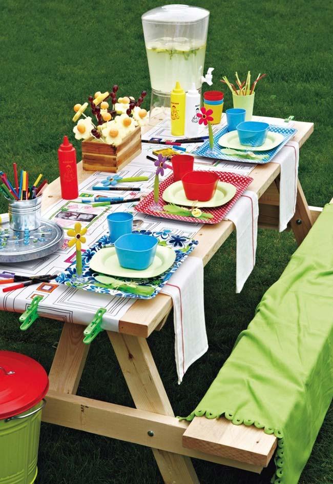 Festa ao ar livre simples
