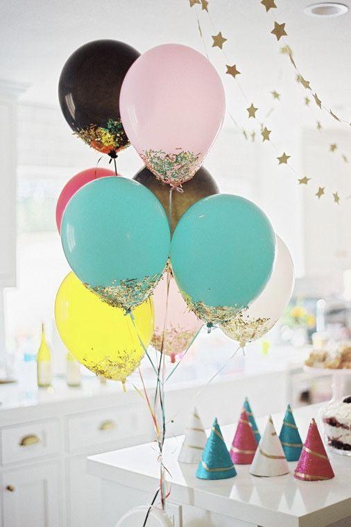 Balões com purpurina na base; muito simples e fácil de fazer