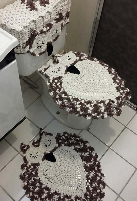 Jogo de banheiro de coruja em cores neutras