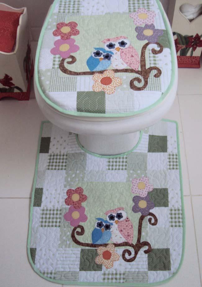 Patchwork charmoso no jogo de coruja para o banheiro