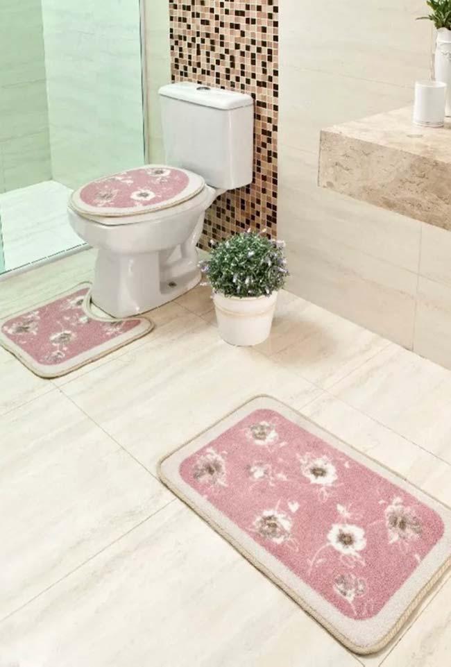 Modelo simples e tradicional de jogo de banheiro