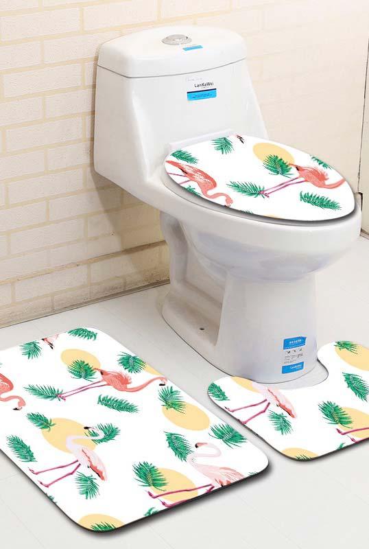Flamingos no jogo de banheiro