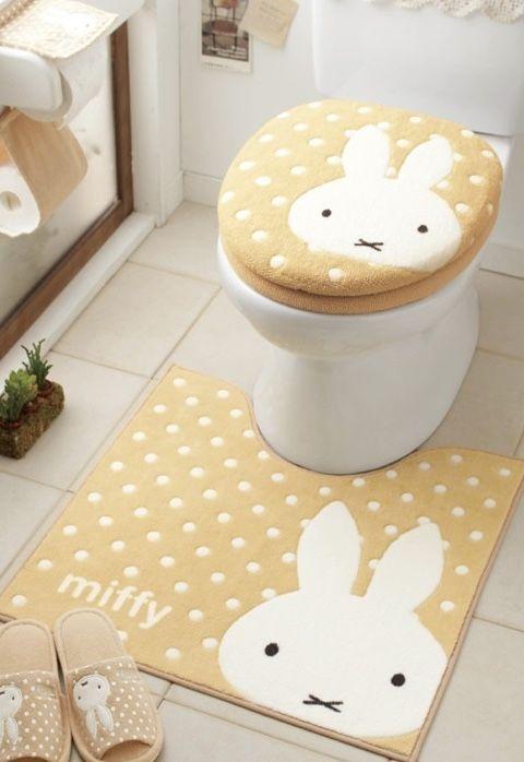 Coelhinhos no jogo de banheiro